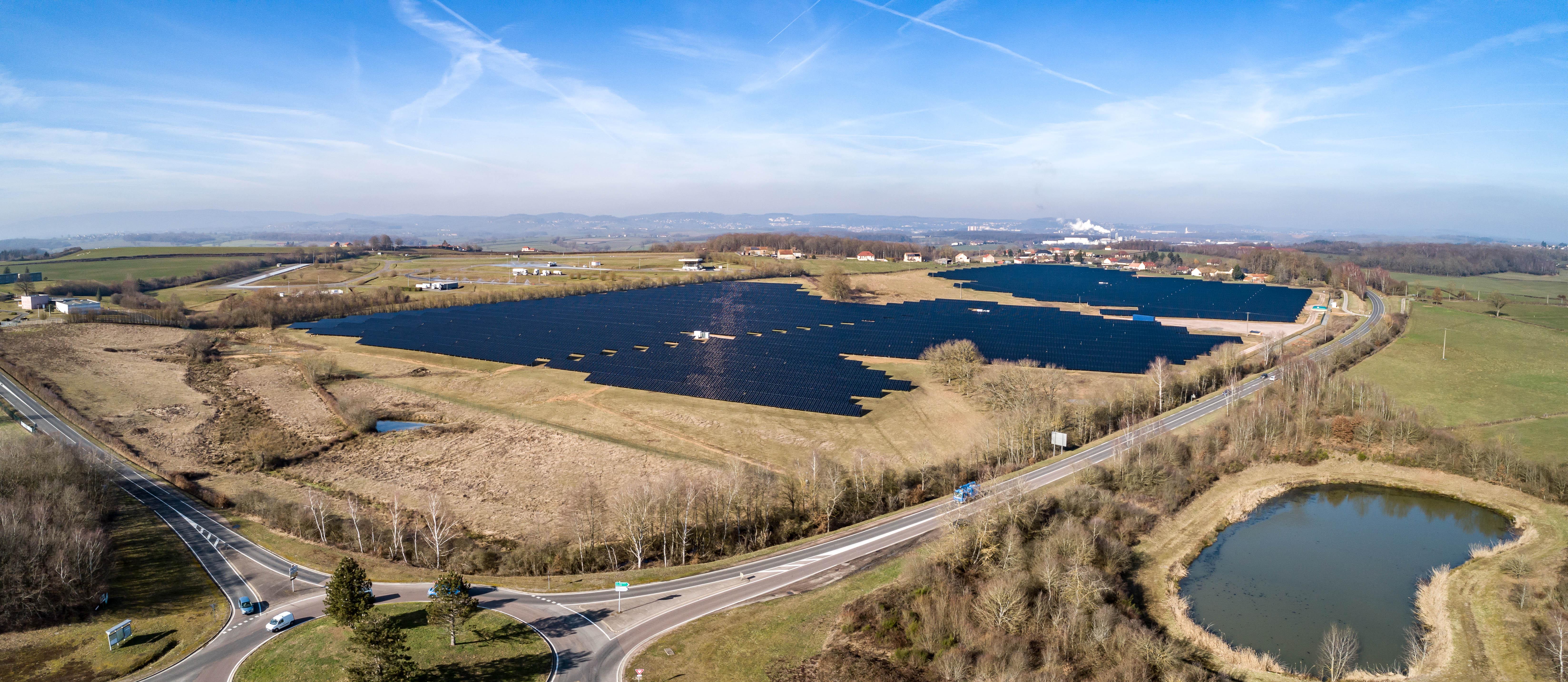JPee et la Banque des Territoires mettent en service la 2ème plus grande centrale solaire de Bourgogne-Franche-Comté